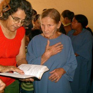 Oma krijgt haar dooptekst