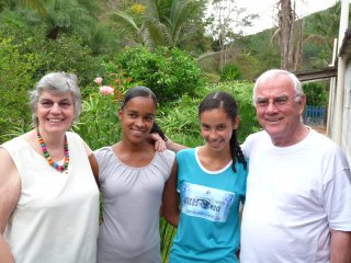 Carla en Meire samen met Nico en Trijnie