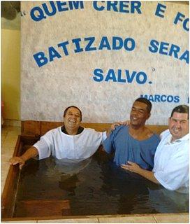 Vava wordt gedoopt