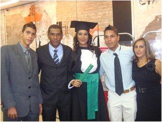 Maria Afonsa en Vava en hun gezin