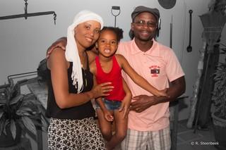Iris, Juliano en hun dochtertje Sara